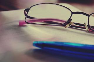 Glasses-919304_640