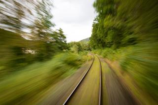 Train-1715320_1920