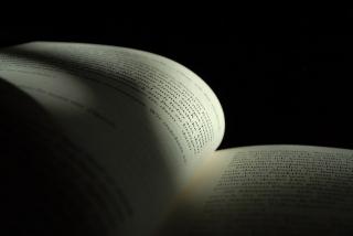 Book-555779_640