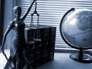 Lady-justice-2388500_1920